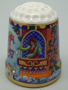 Rusia, porcelana pintada a mano, Asociación Etude: replicated thimble by Galina Gorbaneva. Nº 1/12.Thimble-Dedal-Fingerhut.