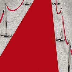 Rode loper voor op een feestje. Deze voordelige rode loper is geaschikt voor eennmalig binnen gebruik. Formaat: 450 x 60 cm. Materiaal: polyester (papier-achtig).