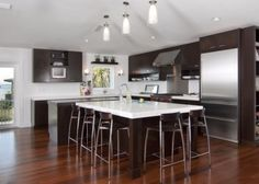 Modern Home no upper cabinets in kitchen Design Ideas, Pictures, Remodel and Decor Modern Retro Kitchen, Latest Kitchen Trends, Kitchen Photos, Kitchen Ideas, Kitchen Inspiration, Kitchen And Bath, Nice Kitchen, Kitchen Wood, Kitchen Island