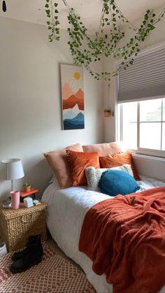 Dorm Room Designs, Room Design Bedroom, Room Ideas Bedroom, Home Bedroom, Bedroom Decor, Bedroom Inspo, Bedrooms, Cozy Room, Aesthetic Bedroom