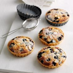 A simple Blueberry frangipane tarts recipe for you to cook a great meal for family or friends. Buy the ingredients for our Blueberry frangipane tarts recipe from Tesco today. Slow Cooker Desserts, Sweet Pie, Sweet Tarts, Tart Recipes, Sweet Recipes, Baking Recipes Uk, Easy Desserts, Dessert Recipes, Frangipane Tart