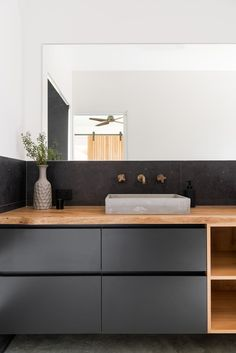 Lurie Concepts specialises in designing bespoke environmentally-friendly homes and renovations for clients throughout the South West and Perth. Modern Barn House, Modern House Design, Sustainable Building Design, House Cladding, A Frame Cabin, Modern Farmhouse Exterior, Shed Homes, Building A Shed, Building Ideas