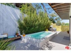 Check out my brand-new listing in Silver Lake! This spectacular new modern home is located high up in the hills with jaw dropping views of Silver Lake, downtown, and the mountains beyond. Small Backyard Pools, Small Pools, Pool Decks, Outdoor Pool, Outdoor Spaces, Casa Octagonal, Mini Piscina, Piscine Diy, Living Pool