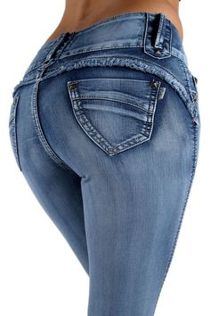 Anyone found a nice pair of jeans that give your butt a good lift, or make it a plump round shape???? In doing a general google search, a brand called Feel Foxy pops up, but I don't know anythin...