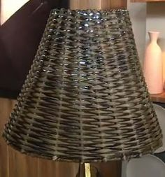Blog Claudia Tenório: Veja como fazer uma linda cúpula de abajur com jornal!