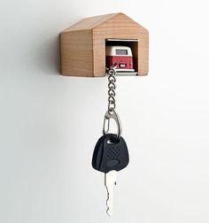 Guarda las llaves del coche en su propio garaje