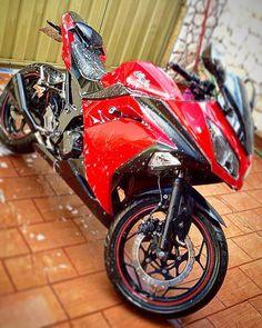moto kawasaki 125 moto gp #moto #kawasaki Sport Bikes, Tee Shirts, Motorcycle, Sportbikes, T Shirts, Tees, Sport Motorcycles, Motorcycles, Motorbikes
