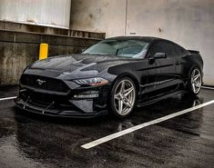 """The very popular Camrao A favorite for car collectors. The Muscle Car History Back in the and the American car manufacturers diversified their automobile lines with high performance vehicles which came to be known as """"Muscle Cars. 2018 Mustang Gt, Ford Mustang Shelby, Mustang Cars, Ford Gt, Car Ford, Us Cars, Sport Cars, Black Mustang, Modern Muscle Cars"""