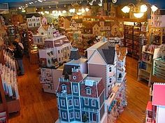 antique dollhouse | Antique Dollhouse Furniture on Little Dollhouse Company Doll Houses ...