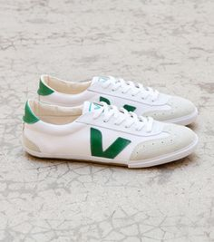 Volley  Iconic model of the brand launched in 2004 and inspired by a Volley-Ball trainer from the 70's.  - Recycled & fairly traded cotton canvas-The recycled cotton is bought from marginalized producers from the Ceara state in Brazil-Low chrome Suede- Inner sole made of recycled cotton and expansed rubber-Wild & fairly traded rubber from the Amazonian forest-Made in Brazil