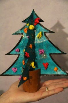 Obtenir un sapin en volume Christmas Arts And Crafts, Easy Arts And Crafts, Christmas Games, Christmas Activities, Crafts To Do, Crafts For Kids, Christmas Decorations, Christmas Ornaments, Fun Activities For Kids