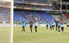 Grêmio aprende com passado e promete conter euforia após goleada http://globoesporte.globo.com/futebol/times/gremio/noticia/2013/02/gremio-aprende-com-passado-e-promete-conter-euforia-apos-goleada.html