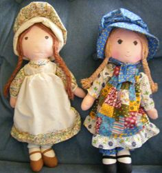 I had a Holly Hobbie room.Holly Hobbie & Heather cloth KNICKERBOCKER DOLLS -- I didn't know there were actual dolls. My grandma did embroidery pieces of these dolls and they're hanging in my room :) Raggy Dolls, Holly Hobbie, Old Dolls, Toy Boxes, Childhood Memories, Doll Clothes, Teddy Bear, Embroidery, The Originals