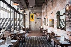Bu.Co Burger & Cocktail, Udine, 2016 - VISUAL DISPLAY Brand+Interior Design