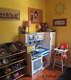 Do you buy vintage or thrift to decorate your kids' room?  Here's Priscilla's play area with fun vintage and thrift touches at B-InspiredMama.com.