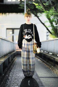 Wow these street fashion really are amazing Pic# 4813554371 – Fashion Trends 2019 Asian Street Style, Tokyo Street Style, Japanese Street Fashion, Tokyo Fashion, Harajuku Fashion, Korean Fashion, Look Fashion, Girl Fashion, Fashion Outfits