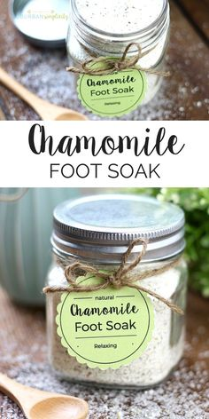 Easy Chamomile Foot Soak DIY + Printable Tags Chamomile foot soak is a wonderful DIY beauty product to pamper and soothe your feet. This homemade stress reliever is super easy and inexpensive to make and is also a perfect gift idea. Homemade Foot Soaks, Diy Foot Soak, Homemade Soaps, Homemade Facials, Diy Hacks, Pedicure Soak, Pedicure Ideas, Foot Soak Recipe, Diy Spa