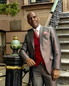 Dapper Dan and Gucci Collaborate to Open a Boutique in Harlem Fashion 2017, Mens Fashion, Fashion Outfits, Nyc Fashion, Classic Fashion, High Fashion, Fashion Trends, Sharp Dressed Man, Well Dressed Men
