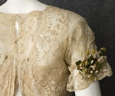 Edwardian Clothing at Vintage Textile: #7447 Brussels lace wedding gown