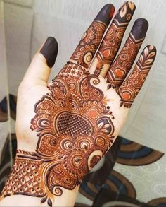 Round Mehndi Design, Floral Henna Designs, Back Hand Mehndi Designs, Latest Bridal Mehndi Designs, Henna Art Designs, Mehndi Designs For Beginners, Mehndi Design Photos, Unique Mehndi Designs, Wedding Mehndi Designs