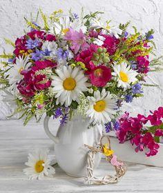 Just beautiful bouquet💕** Beautiful Bouquet Of Flowers, Beautiful Flower Arrangements, Exotic Flowers, Colorful Flowers, Floral Arrangements, Beautiful Flowers, Wedding Flowers, Flower Vases, Flower Pots