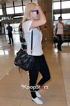 snsd hyoyeon airport fashion