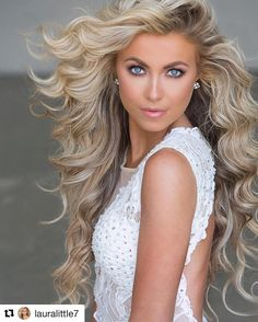 Espectacular y hermosa chica - pageant hair Pageant Makeup, Blonde Beauty, Hair Beauty, Pagent Hair, Pageant Headshots, Beautiful Women Pictures, Very Long Hair, Big Hair, Up Dos