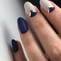 50 Trendy Nail Art Designs That Brighten You - NailArt - Ongles Beautiful Nail Art, Gorgeous Nails, Beautiful Pictures, Navy Nails, Blue Gold Nails, Navy Nail Art, Matte Nails, Chevron Nails, Navy Gold