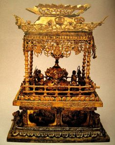 Reliquary discovered in the foundation of the eastern pagoda at the Gameun-sa Temple site (Unified Silla, dated 682) 감은사지 동탑 출사리 장엄구