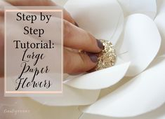 Want to make a large and beautiful impact with minimal effort? Then click through for the step-by-step tutorial to make large paper flowers that will make a large impact for an event or a nursery wall. Paper Flower Wreaths, Large Paper Flowers, Diy Paper, Paper Crafts, Diy Home Decor Projects, Balloon Garland, Creative Kids, Handmade Flowers, Homemade Gifts