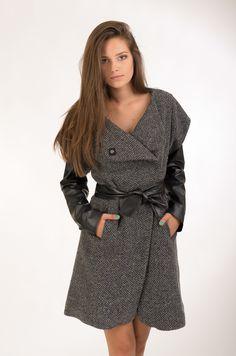 Пальто с рукавами кожзам