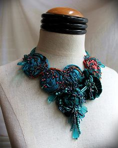 fiona bridal collar mixed media textile von carlafoxdesign. Black Bedroom Furniture Sets. Home Design Ideas