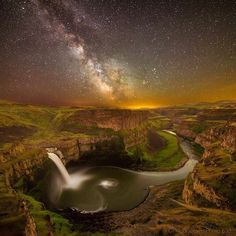 "@earthfocus on Instagram: ""Follow @PlacesWow for more mind blowing travel & landscape images! Palouse falls, Washington. 