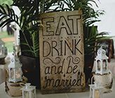 3 Reasons Why Wedding Buffets Rock! A gorgeous foodies dream wedding catered by Chef Pasquale Presa of Kahler and photographed by Ray + Kelly Photography..