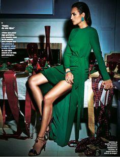 De nuevo la modelo y presentadora Nieves Álvarez nos deja sin palabras en su reportaje para la revista XL Semanal vestida de ESCADA. ¿Te gusta esta firma? ¡Conócela en Chercell! Visita nuestra shop online ➡www.chercell.es o pásate por el C.C. Arturo Soria Plaza 😉
