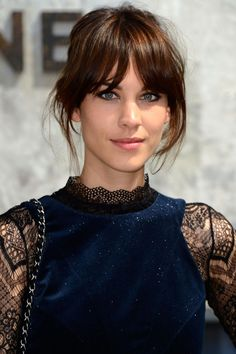 8 Best Hairstyles for Long Faces - Haircuts for Long Face Shapes - Hair Design Haircuts For Long Hair With Layers, Long Hair With Bangs, Long Layered Hair, Long Hair Cuts, Wispy Bangs, Fringe Bangs, Braid Bangs, Haircut For Face Shape, Face Shape Hairstyles