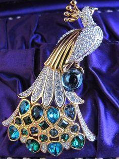 Vintage Swarovski Crystal Rhinestone Peacock Pin Brooch