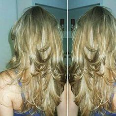 Uma opção para você que ainda sonha ser musa de seriado 90's. | 15 cortes de cabelos longos pra quem quer só tirar as pontinhas