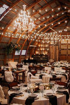 7 Gorgeous and Cozy Winter Wedding ceremony Concepts - Swanky Wedding
