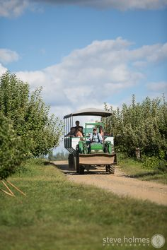 Wagon ride to the wedding ceremony – Alyson's Orchard, NH | Steve Holmes Photography
