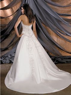 Ball Gown Elegant Wedding Dress with Embroidery-Dressfame.com