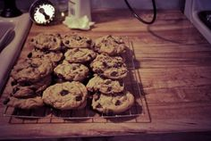 Chocolate Chip Cookies-Like They Should Be - http://www.veganbakingrecipes.com/chocolate-chip-cookies-they-should-be-recipe/  #vegan #recipes