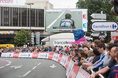 #TDF2016 #Angers Devant le centre de congrès, un écran géant permettait de suivre l'avancée du peloton. (Photo: Thierry Bonnet/Ville d'Angers)