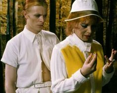 David Bowie, Candy Clark in THE MAN WHO FELL TO EARTH (1976)