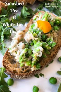 Smashed Pea and White Bean Toast ~ Breakfast update Vegetarian Breakfast, Healthy Breakfast Recipes, Clean Eating Recipes, Brunch Recipes, Healthy Snacks, Vegetarian Recipes, Healthy Recipes, Vegan Vegetarian, Healthy Breads