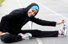 Sporty Look with Modest Hijab Sports Outfits Combinations – Hijab Club Hijabs, Muslim Fashion, Hijab Fashion, Sports Hijab, Become A Yoga Instructor, Hip Hop, Baggy Clothes, Turkish Fashion, Beautiful Hijab