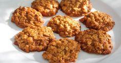 Диетическое овсяное печенье Овсяные хлопья, смешанные с кефиром, — это замечательный сладкий перекус, которым можно лакомиться сколько угодно.
