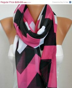 A scarf changes everything - #scarves sn33108