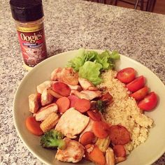 Dinner after todays booty-workout! Nacho-seasoned chickenwok! #musclefood  #postworkout #dinner #chicken #wok #nacho #oogies #offseasonfood #bikinifitness #eatforyourgoals #eattogrow #fitfood #legday #lifestyle #bikiniathlete #improvementseason