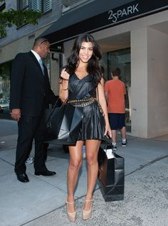 kourtney kardashian style | Less: Khloe and Kourtney Kardashian Shopping at 25 Park - The Fashion ...